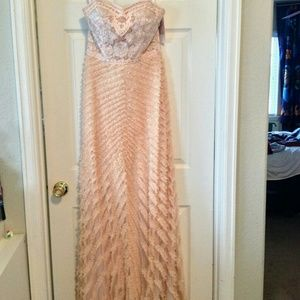 Nwt-Sue Wong gorgeous gown